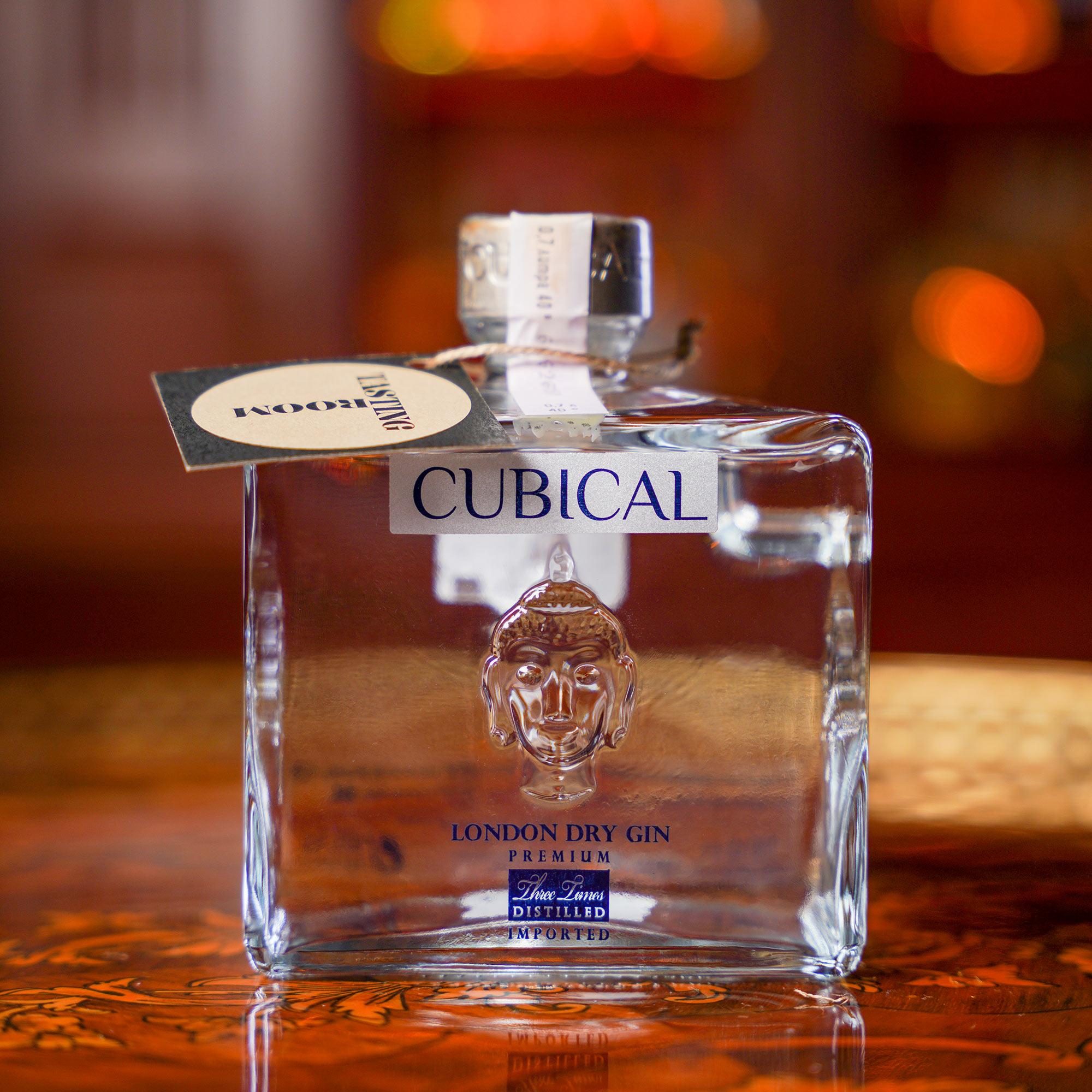 Cubical London Dry Gin Premium /Кюбикъл Лондон Драй Джин Примиум